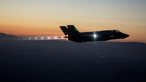 Elon Musk:Kỷ nguyên máy bay chiến đấu đã qua, F-35 vô dụng