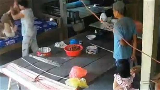 Con dâu đánh mẹ: Âm thầm kết nối wifi camera