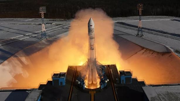 Mỹ tiếp tục nhiệm vụ khoa học, tên lửa Nga đắt hàng