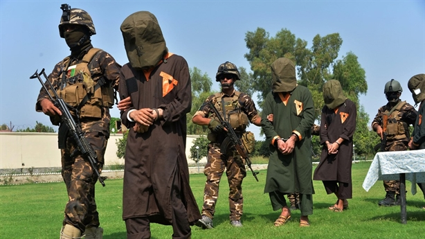 Mỹ nỗ lực con thoi, Afghanistan nói lời đắng