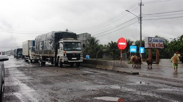Quốc lộ 1 qua Bình Định xuống cấp: Bộ GTVT nói gì?