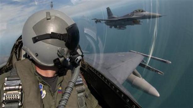 Tiêm kích Nga chặn F-16 Thổ bắn rơi Su-22 Syria