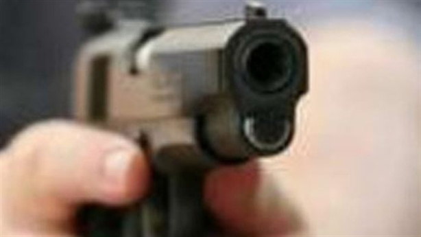 Nổ nhiều phát súng vì bị đăng lên Facebook nói quỵt tiền
