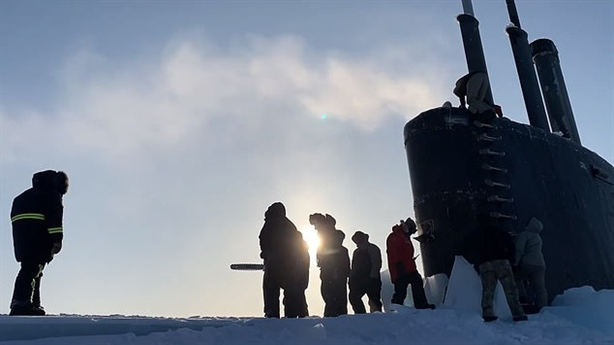 Muốn khai hỏa tại Bắc Cực, tàu Mỹ cần cưa cắt băng
