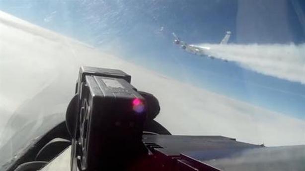RC-135W Mỹ bị nghi giúp phiến quân tấn công Hmeymim