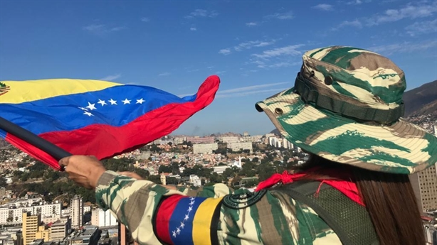Venezuela tập trận bất ngờ sau khi tố Mỹ