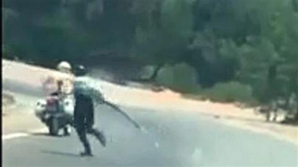 Đang truy tìm vi phạm cầm đại đao đánh võng trước CSGT