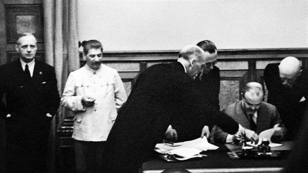Ông Putin lại lên án việc châu Âu đổ lỗi cho Stalin