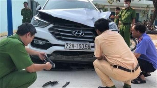 Tài xế lạc tay lái tông CSGT tử vong