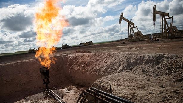 Mỹ giảm khai thác, tăng dự trữ dầu: Nga chơi đúng bài?