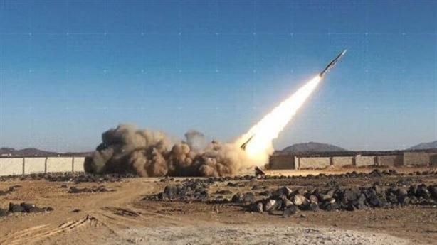 F-15/16 Saudi đồng loạt bỏ chạy khi bị 'sát thủ' tấn công