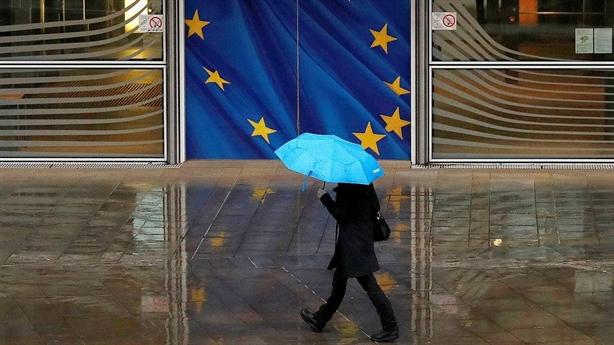 6 tháng một lần, EU nhắc lại trừng phạt Nga