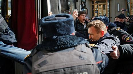 Phản đối Putin cải cách Hiến pháp: Phe đối nghịch vô vọng