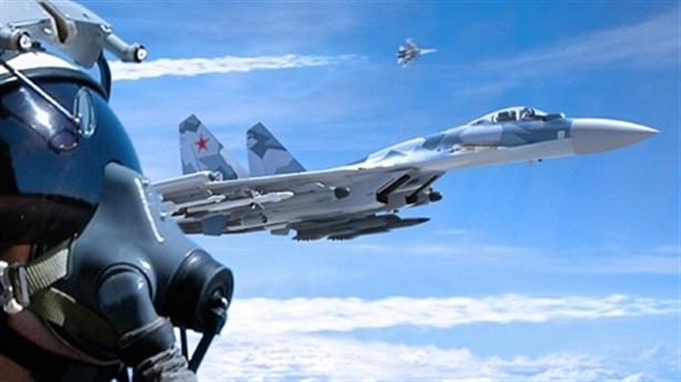 Báo Mỹ chỉ điểm yếu khiến F-22 bại trận trước Su-35 Nga