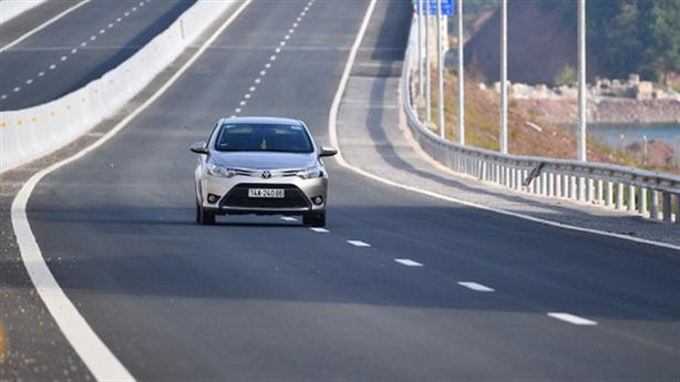 Đầu tư hạ tầng giao thông, sao tư nhân không mặn mà?