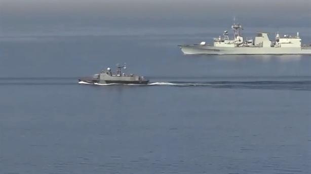 Tàu Ukraine bỏ chạy sau khi gây hấn với Nga?