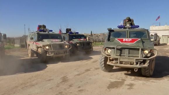 Nga tăng lực lượng đối đầu Mỹ ở Syria
