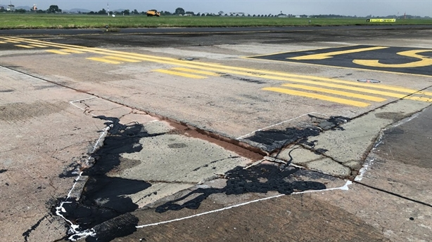 Vốn sửa đường băng TSN, Nội Bài: Vì sao khó?