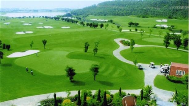 Dự án sân golf ở bãi sông Đuống: Cân nhắc lợi ích