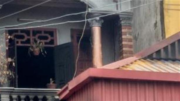 Phóng hỏa đốt nhà em gái: Bắt taxi về đám tang