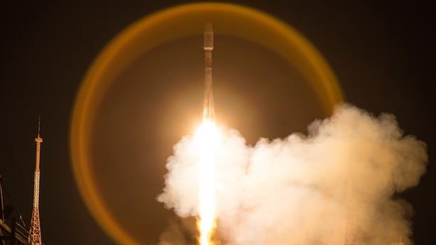 Tên lửa Soyuz phóng thành công cùng lúc 34 vệ tinh