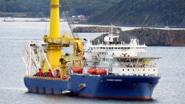 Tàu lắp đặt Nord Stream-2 đi đường vòng né phương Tây