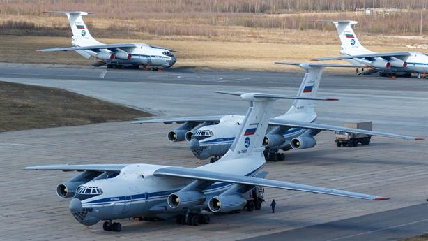 Ba Lan phân bua vụ chặn máy bay Nga cứu trợ Ý