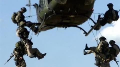 Chuyến bay cứu trợ phơi bày NATO mục ruỗng từ bên trong?