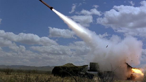 Patriot diệt gọn tên lửa tấn công của Houthi