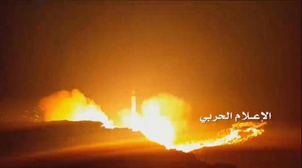 'Phòng thủ Saudi bất động trước mưa tên lửa từ Houthi'