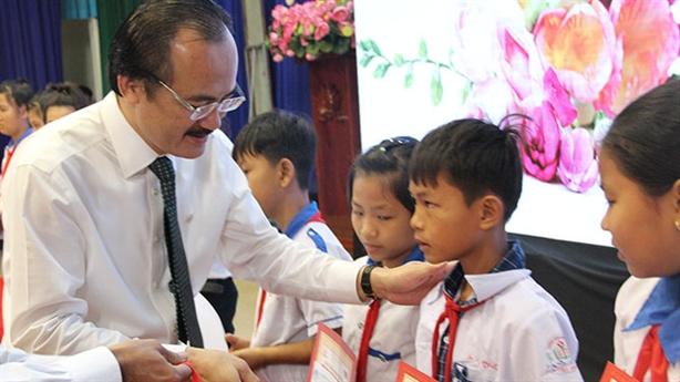 Bầu Thắng nói lại đề xuất hỗ trợ người dân 1-1,5 triệu