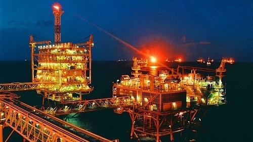 Có nên phát hành trái phiếu dầu thô cho người dân?
