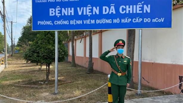 Tăng tốc sản xuất máy thở, xây bệnh viện dã chiến