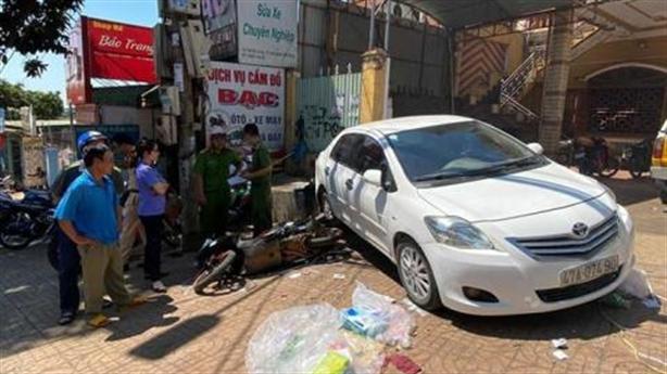 Ôtô 'không người lái' tông chết người: Khởi tố nữ tài xế