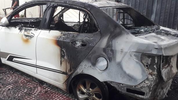 Ôtô cháy rụi nghi do đốt vàng mã: 'Khó trích xuất camera'