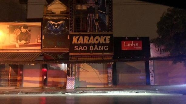 Chủ tịch phường để quán karaoke hoạt động giữa dịch nói gì?