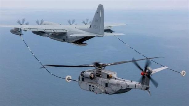 Mỹ khoe cảnh tiếp dầu của CH-53K