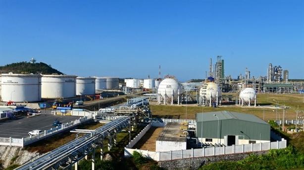 Đề xuất tạm ngừng nhập khẩu xăng dầu