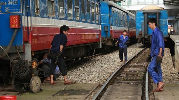 Kiến nghị không chuyển Tổng Công ty đường sắt về Bộ GTVT