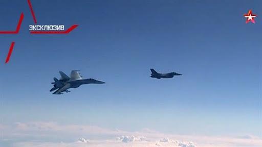 Chuyên gia Nga tố Ba Lan nói láo vụ F-16 chặn Su-27