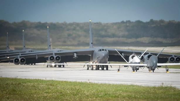 STRATCOM nói gì khi rút hết máy bay chiến lược khỏi Guam?