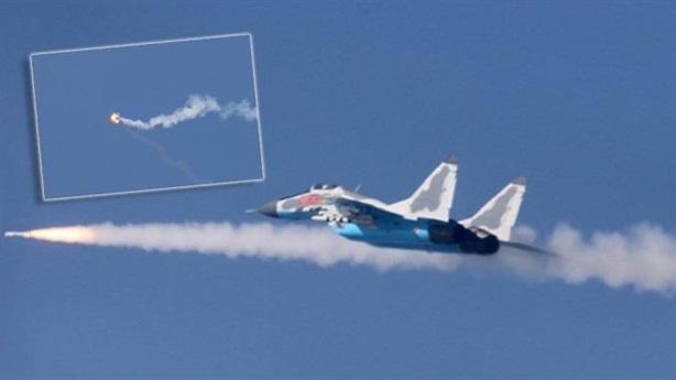 Triều Tiên công bố ảnh MiG-29 đánh chặn siêu chính xác