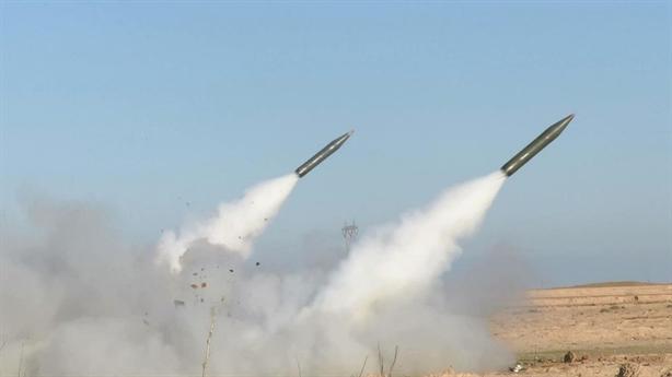 Hai quả tên lửa rơi gần công ty dầu mỏ Trung Quốc