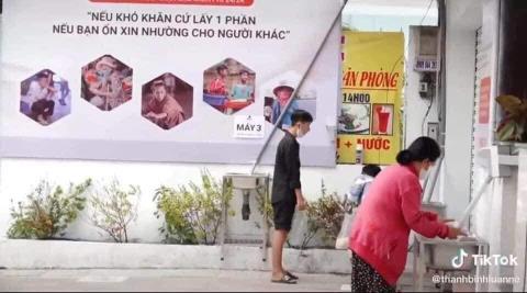 Người bị đuổi khỏi ATM gạo và quan không trả nhà
