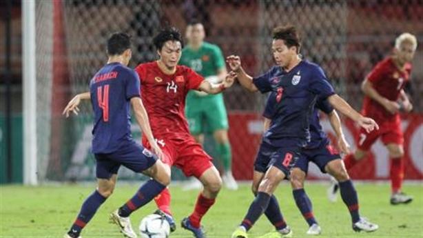 Hậu vệ Thái đăng ảnh, chỉ sự thật bóng đá Việt Nam