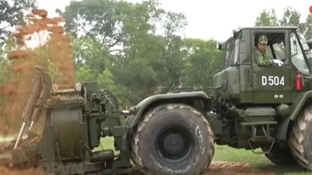 Việt Nam triển khai máy đào hào tốc độ cao đặc biệt