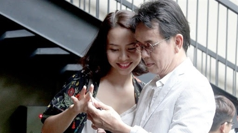 Đức Huy trải lòng hôn nhân với vợ kém 44 tuổi