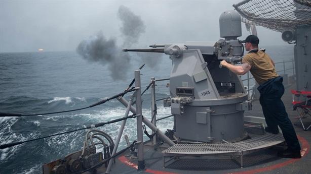 Cho bắn tàu Iran quấy rối, Mỹ muốn kích giá dầu?