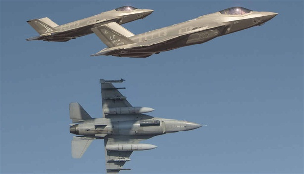 Đòn đánh của F-16 Mỹ hơn hẳn tiêm kích Nga?