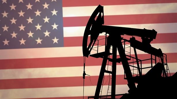 Giá dầu tụt 12 USD/thùng, kịch bản đóng cửa sát nút